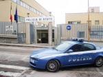 Polizia: ingresso Questura di Ancona e volante